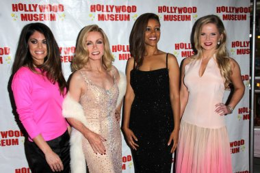 Lindsay Hartley, Donna Mills, Chrystee Pharris, Crystal Hunt