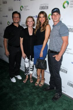 Scott Wolf, JoBeth Williams, Sofia Vergara, Brendan Fehr