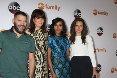 Guillermo Diaz, Bellamy Young, Kerry Washington, Katie Lower