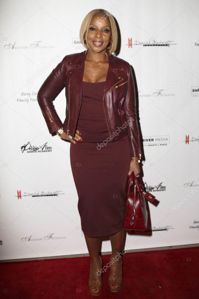 Mary J  Blige at Debbie Allen's