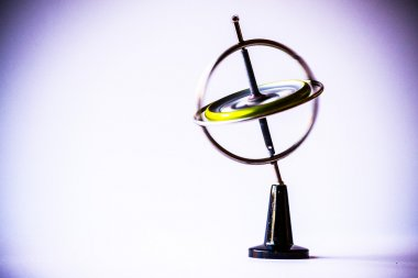 Gyroscope antique in movement