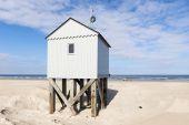 Plážové chýše v Nizozemsku