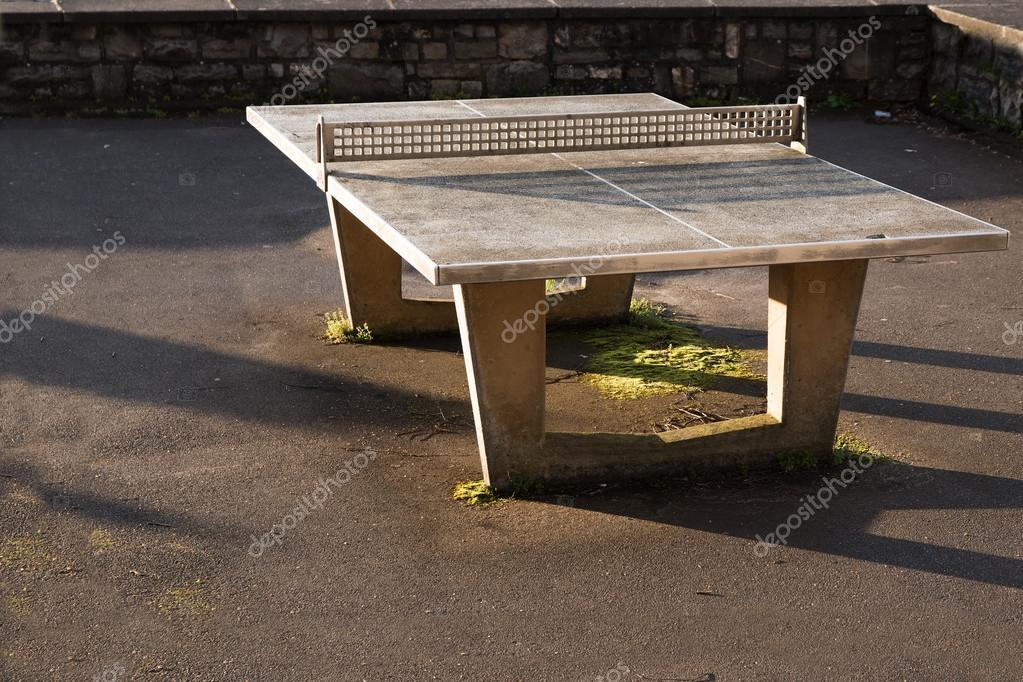 Beton Tafel Buiten : Robuuste buiten ping pong tafel van beton met een netwerk van m