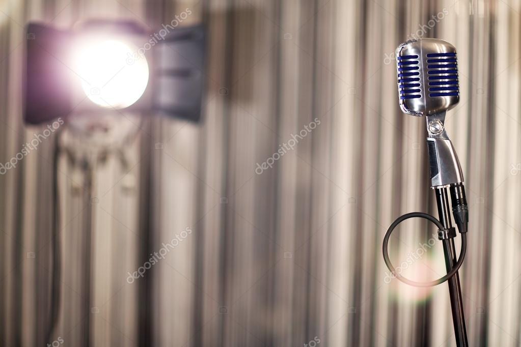 Interieur van de microfoon muziek restaurant de rest spotlight
