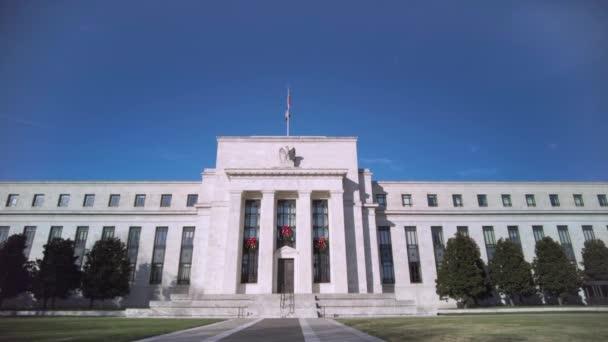 Washington DC, USA, 29.11.2020: Aufnahmen des Marriner S. Eccles Federal Reserve Board Building (Eccles Building), in dem sich die Hauptsitze des Gouverneursrates der US Federal Reserve befinden.