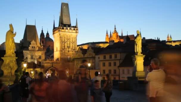 Praha, Česká republika - 25.09.2016: historickém centru Prahy, starověké architektury v večer