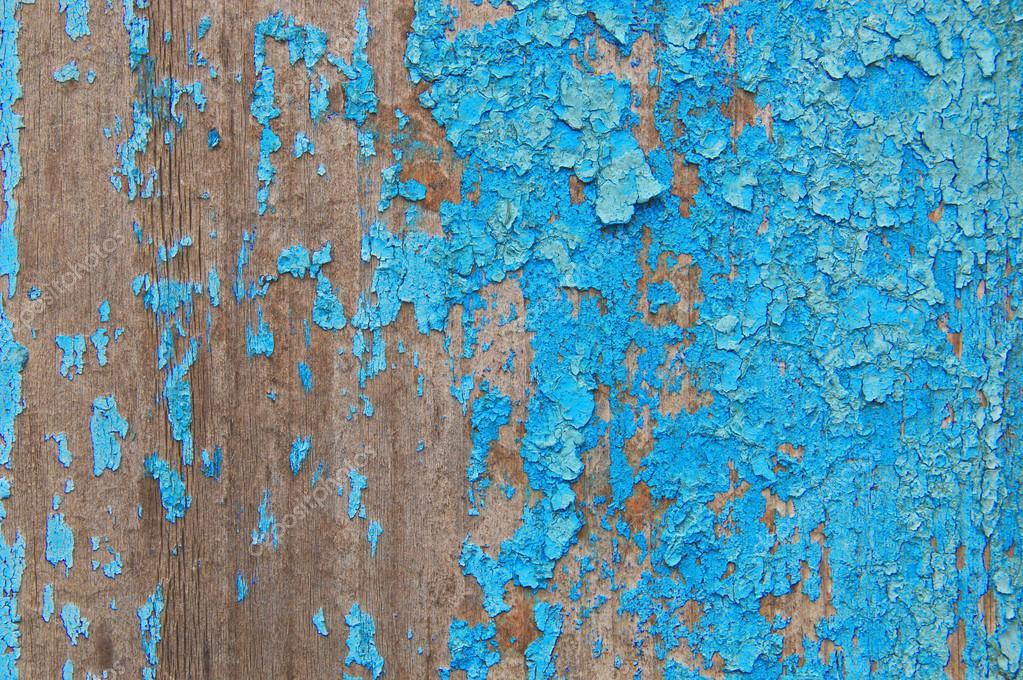Gebrochene Farbe auf einer Holzwand. Wand aus Holzbohlen mit malen ...