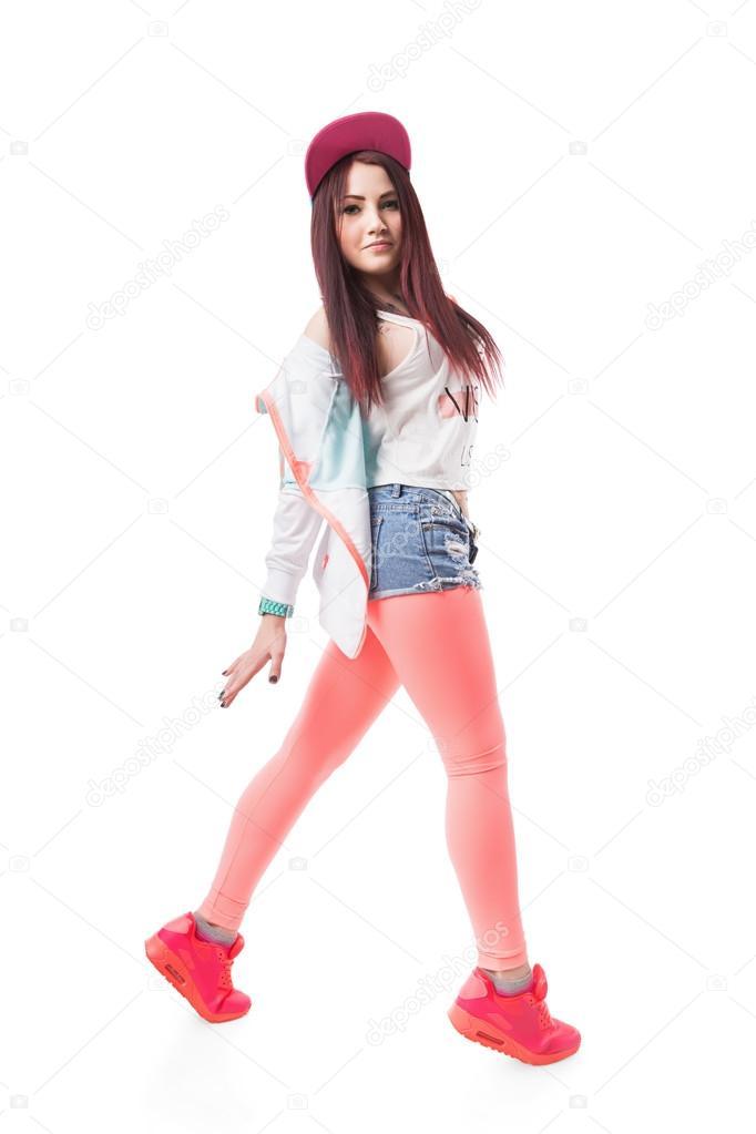 Девчонка танцует в леггинсах фото 113-600