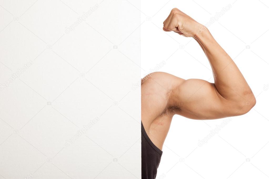 Brazo de hombre asiático muscular flexión bíceps detrás signo en ...
