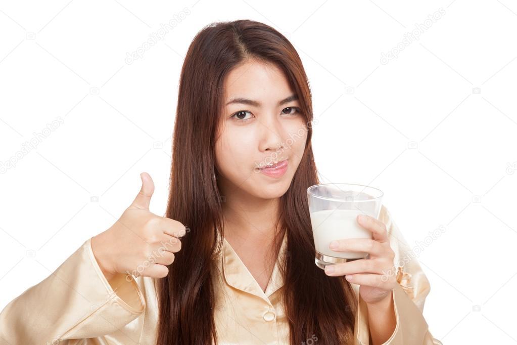 Видео азиатки с молочком