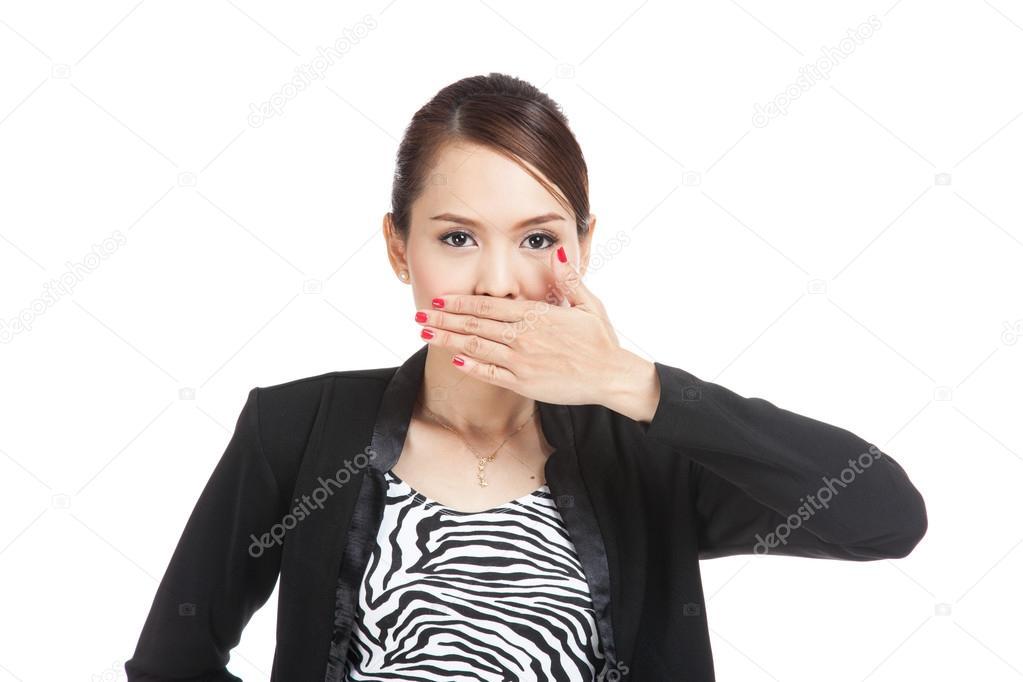 Junge asiatische geschäftsfrau schließen den Mund mit der hand ...