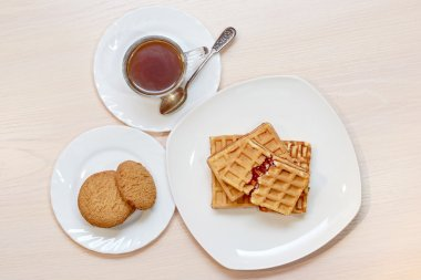 wafers with jam and coffee