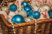 Fotografie Vánoční dekorace na teplé pozadí