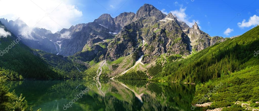 Фотообои Eye of the Sea lake in Tatra mountains, Poland
