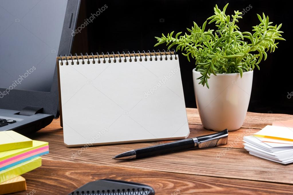livraison de fleurs au bureau livraison de fleurs a domicile ou au bureau partout en belgique. Black Bedroom Furniture Sets. Home Design Ideas