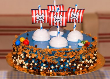 Children party bithday cake with pirates
