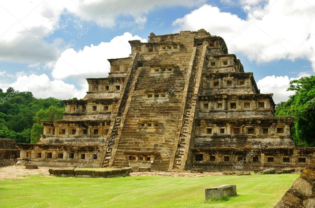 El Tajín Pirámide De Los Nichos
