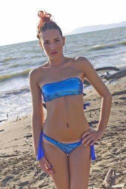 Ragazze in Bikni sulla spiaggia