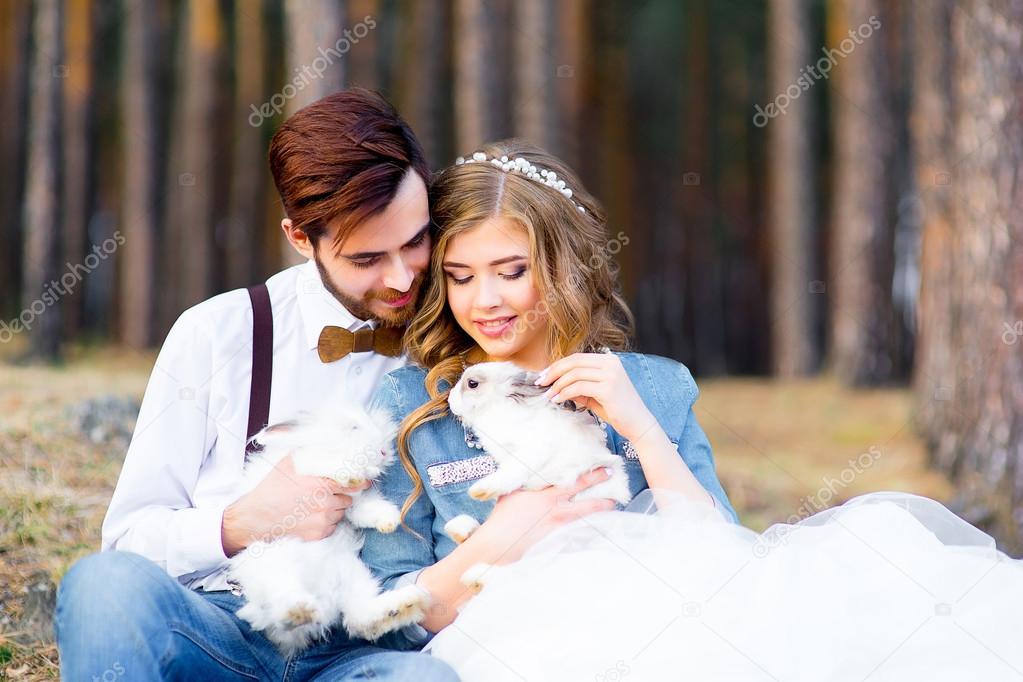 Svatba v country stylu v lese — Stock Fotografie © Lenanichizhenova ... 35b5408558