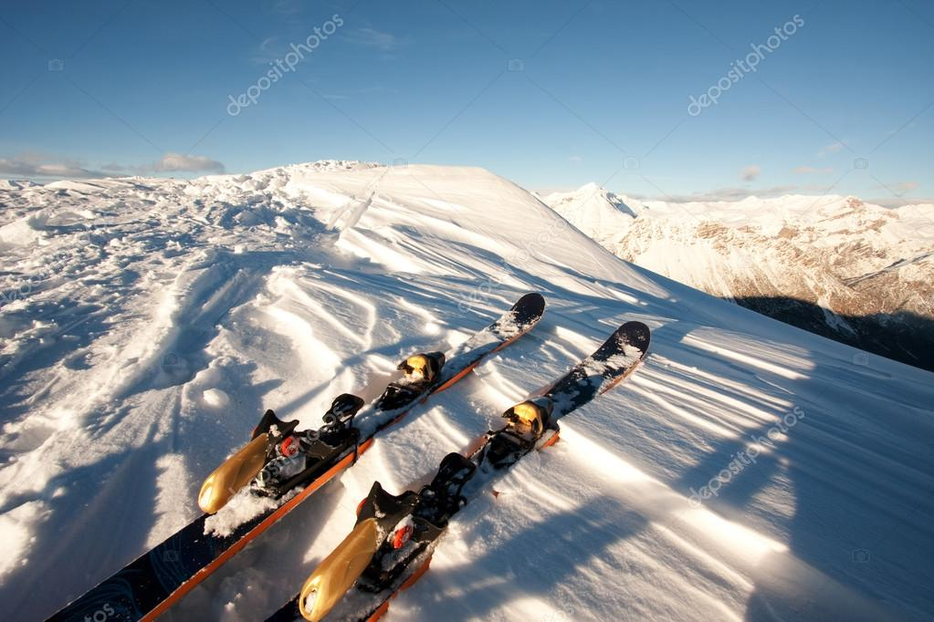 Ski in snow on italian alps