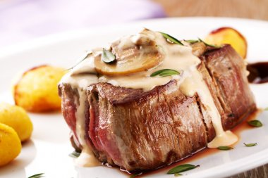 Fillet of beef with mushroom sauce
