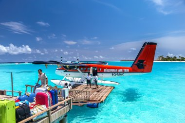 air taxi landed close to  one of maldives islands, irufushi