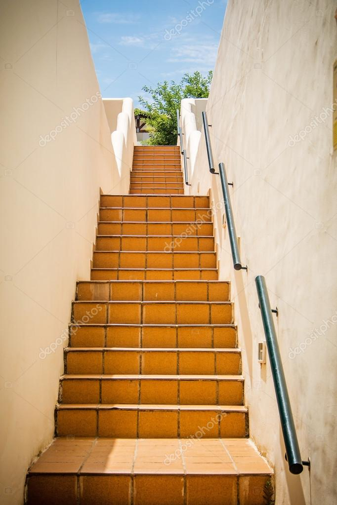 treppen in mediterranen haus stockfoto jansucko 81542726. Black Bedroom Furniture Sets. Home Design Ideas