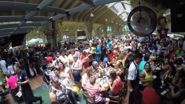 People eating at Municipal Market