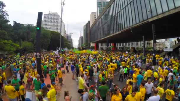 People protest against brazilian government