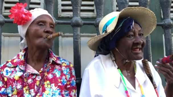 Cubans smoking cigars