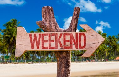 Weekend wooden arrow
