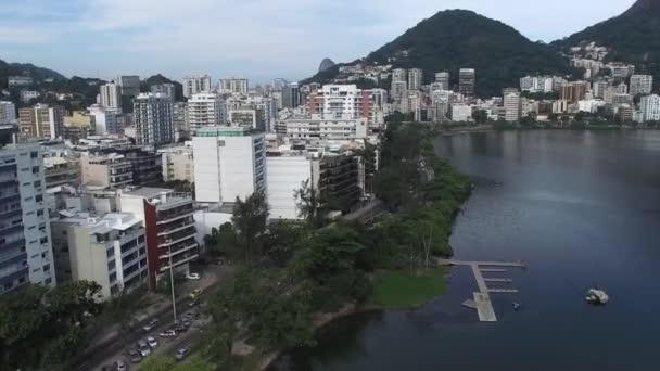Rodrigo de Freitas jezero v Rio de Janeiru