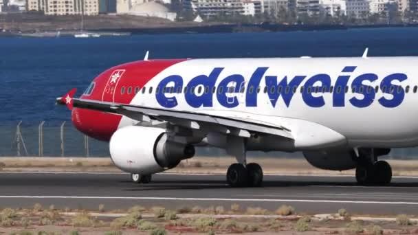 Airbus A320-214 HB-IHX Edelweiss Air beim Start vom Flughafen Lanzarote
