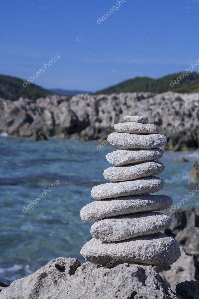 Ibiza stones making balance