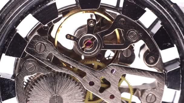 kovové hodinový stroj