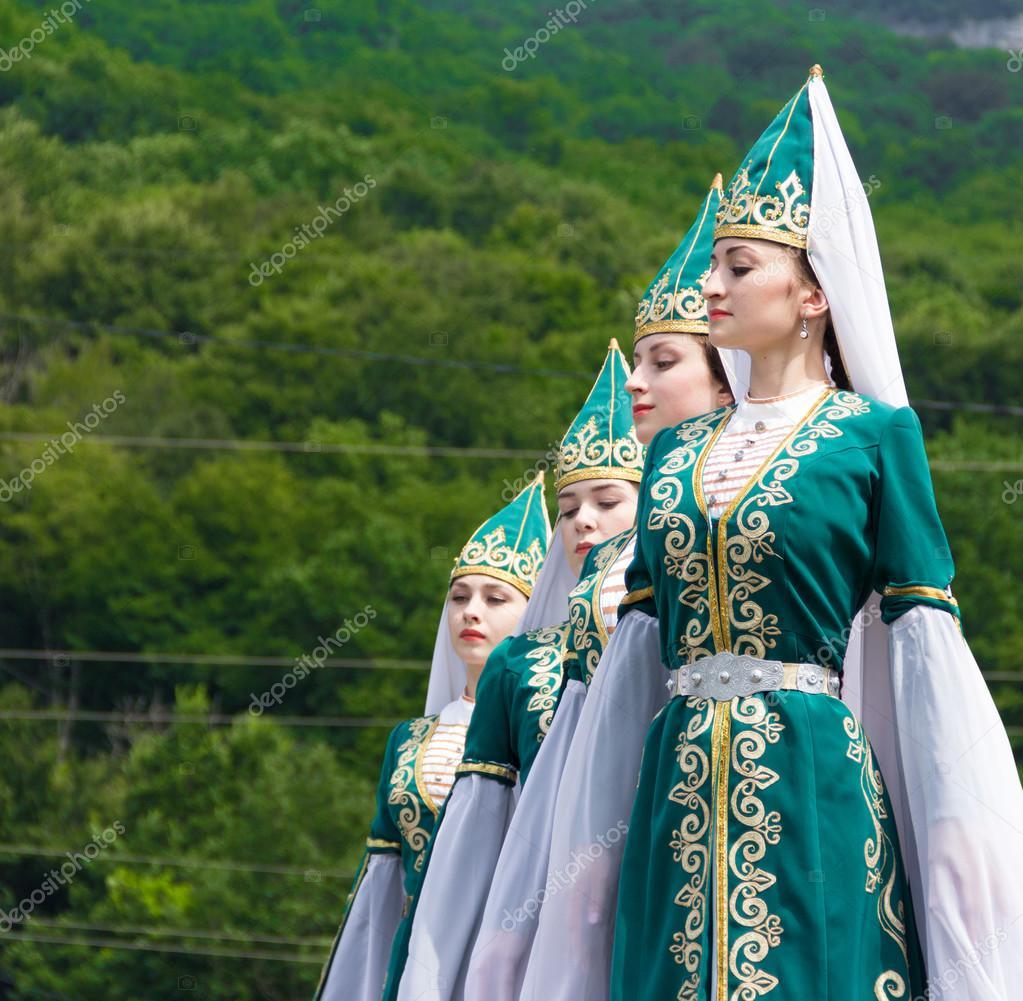 Адыгейский национальный костюм фото