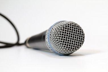 Sensitive condenser microphone recording instruments