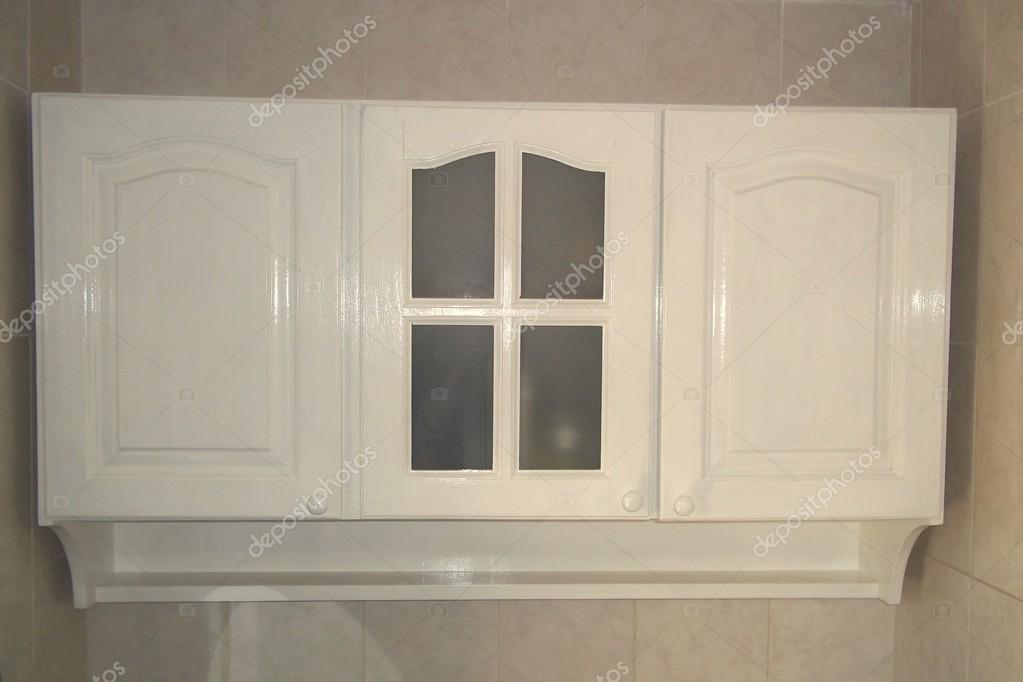 Voorraadkast Met Deuren : Kast met 3 deuren met verdeelde glas en specerijen u2014 stockfoto