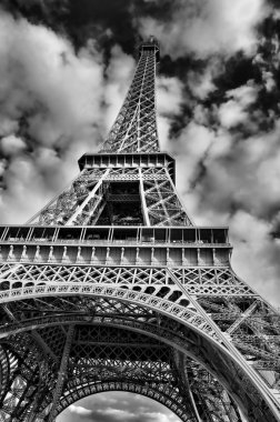 Black and White Picture of the Eiffel Tower