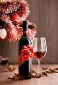 Photo Wine tasting with christmas tree