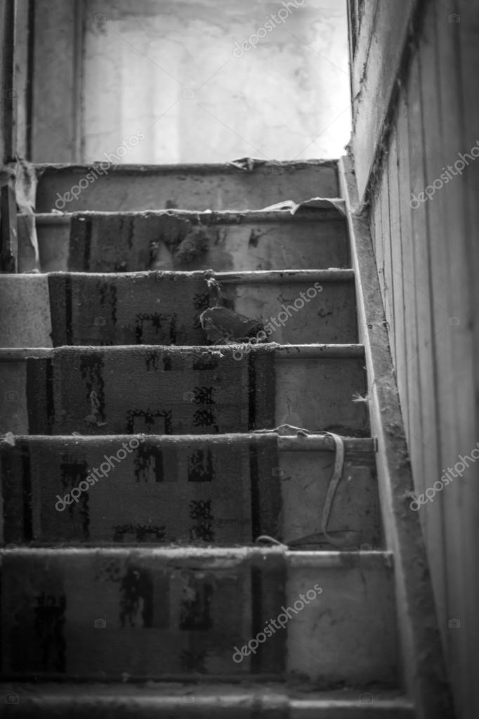 Tapis Usé Vieux Escaliers De La Maison Abandonnée Noir Et