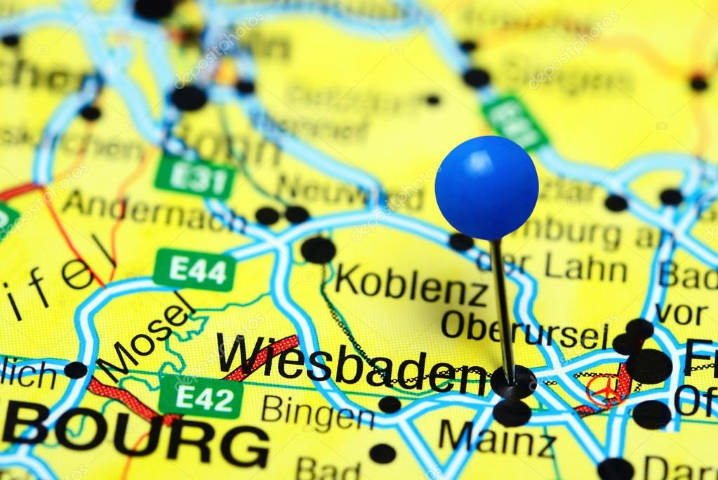 Wiesbaden pinned on a map of Germany Stock Photo dkphotos