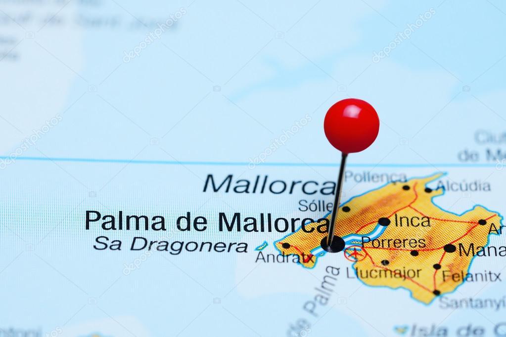 palma de mallorca vastgemaakt op een kaart van spanje — stockfoto