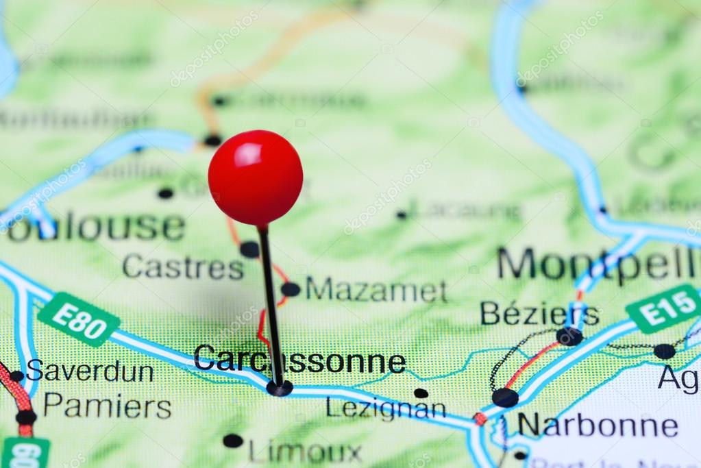 carcassonne frança mapa Carcassonne fixado no mapa de França — Fotografias de Stock  carcassonne frança mapa