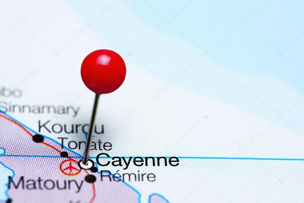 En un mapa de la Guayana francesa Cayena — Foto de stock
