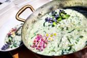 Lahodné vegetariánské rizoto s květy