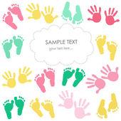Színes baba lábnyom és a kezek gyerekek üdvözlőlap