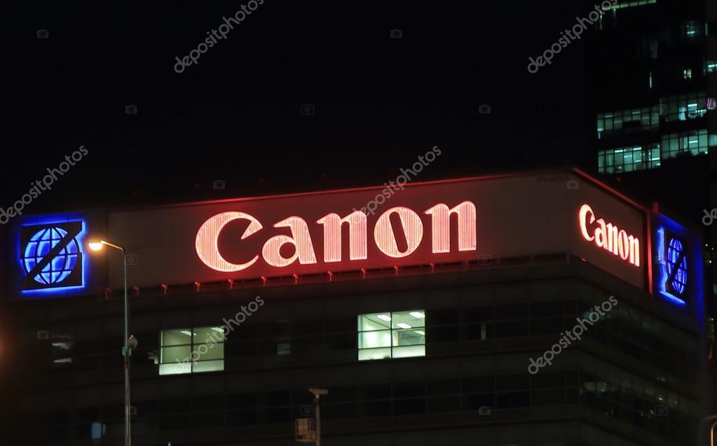 Canon camera – Stock Editorial Photo © TKKurikawa #77992416
