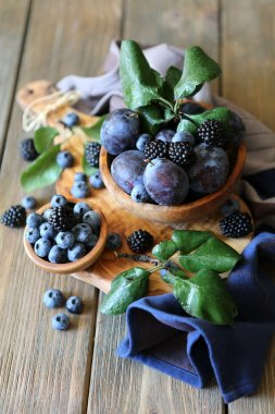 Blackberries & plums - still life