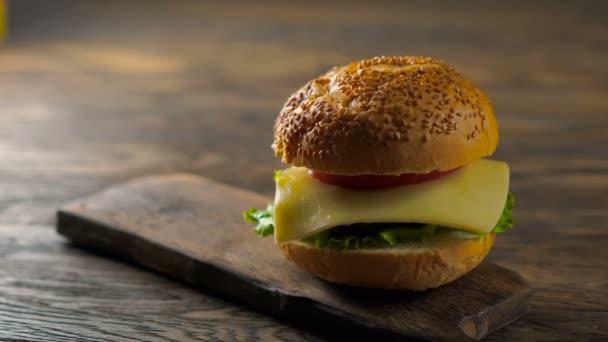Zblízka pohled montáž hovězí hamburger